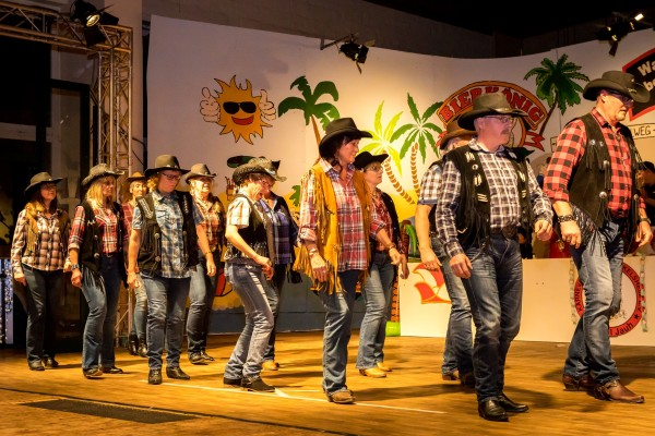 "Line-Dance mit ""Stompin Boots"""